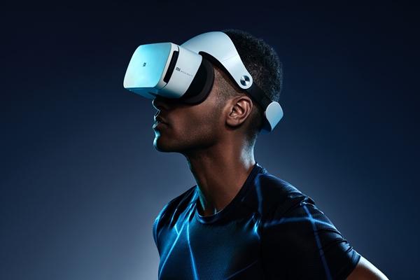 Real World Improvement: Through Virtual Reality!